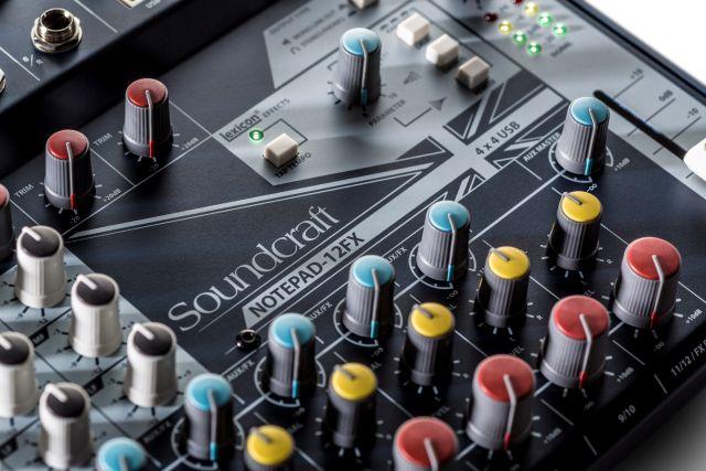 Soundcraft 12FX